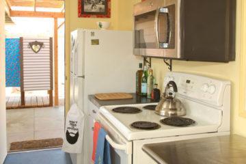1949 Writer's Green Bungalow vacation rental in 29 Palms, CA