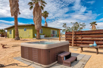 Rancho Deluxe vacation rental, 29 Palms, California, near Joshua Tree National Park