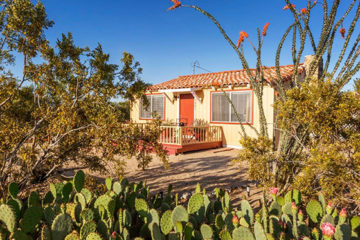 Rabbit Hole Cottage vacation rental, 29 Palms, California, near Joshua Tree National Park
