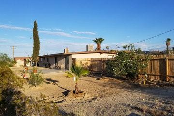 Joshua Tree Skyview Oasis vacation rental, 29 Palms, California, next to Joshua Tree National Park